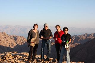 Detox guests adventure into the Sinai mountains for sunset