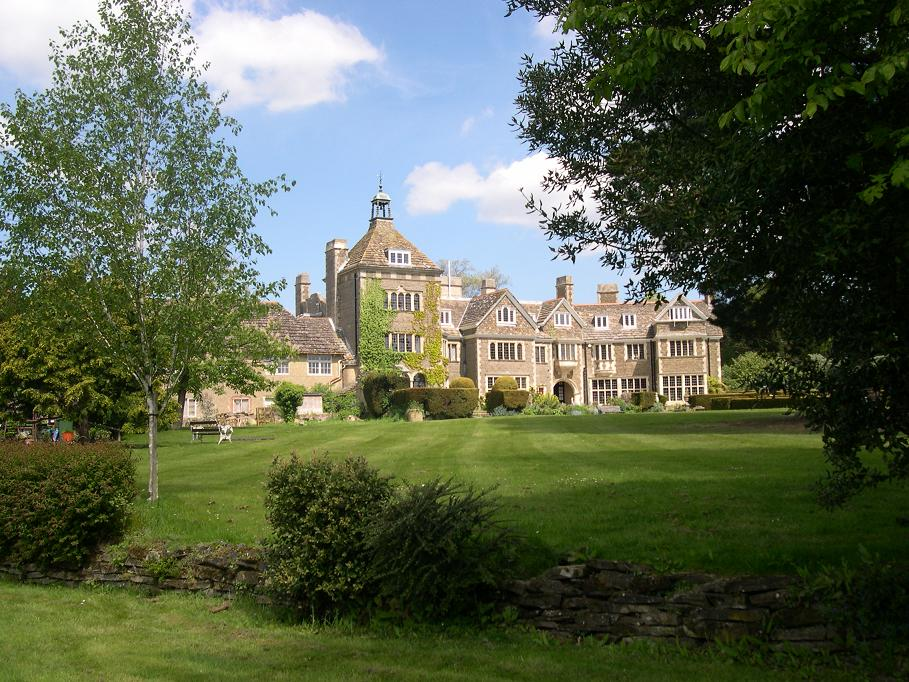 The house and gardens UK healing retreat venue